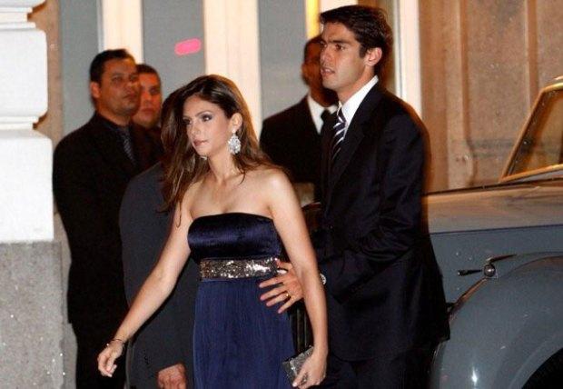 Kaká e a mulher, Caroline Celico - ela usando um vestido simples (a-do-ro!)